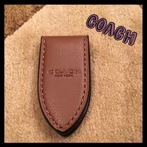 ❤️PERFECT GIFT❤️AUTHENTIC COACH MONEY CLIP - NWT